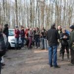Un des trois groupes sur le départ pour la visite d'un terrier