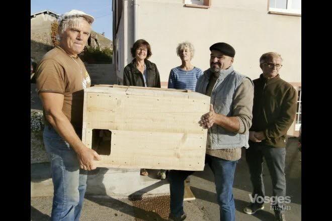 Charmois-l'Orgueilleux L'association Oiseaux Nature installe des nichoirs pour la chouette-effraie - Vosges Matin 02-10-2018
